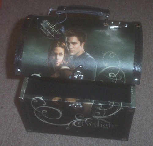 Official Twilight Edward and Bella Vintage Carrying Case
