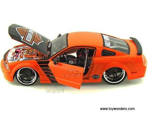 32169or Maisto Hd - Ford Mustang Gt Hard Top Harley-davidson (2006, 1:24, Orange) 32169 Diecast Car Model Auto Vehicle Automobile Metal Iron ()