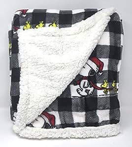 Amazon Com Snoopy Woodstock Peanuts Christmas Holiday