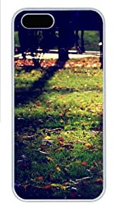 Apple iPhone 5S Case and Cover - Armenian Autumn Hard Plastic Case for iPhone 5/5S - White