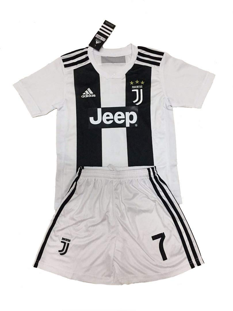 98b60ffedf3 Amazon.com   2018-19 Juventus  7 Cristiano Ronaldo Home Youths Football  Soccer Kids Jersey   Short ...   Sports   Outdoors