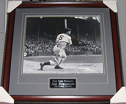 - Joe Dimaggio 56 Game Hit Streak Autographed Signed Limited Ed Custom Framed Photo Memorabilia JSA