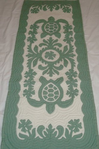 Hawaiian quilt wall hanging table runner 100% hand quilted/hand appliqued Hawaiiana