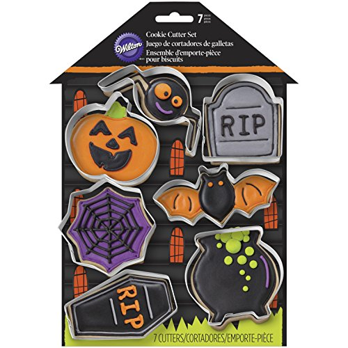 Wilton 2308-0999 7 Piece Haunted House Cookie Cutter Set]()