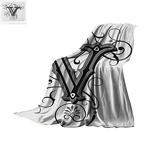 Letter V Custom Design Cozy Flannel Blanket Gothic Halloween Style Uppercase V with Curved Lines Ivy Stripes Calligraphy Digital Printing Blanket 90