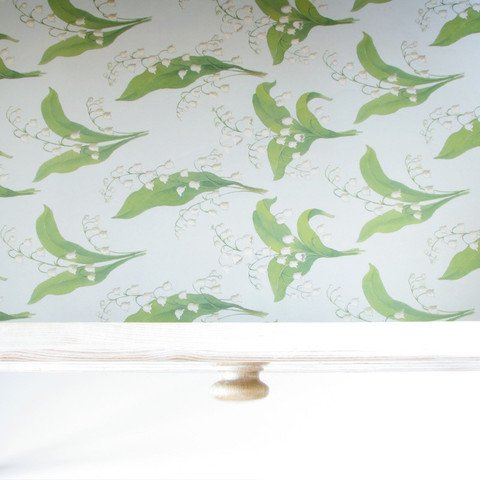 English Lily Scented Drawer Liners by Best British Gifts