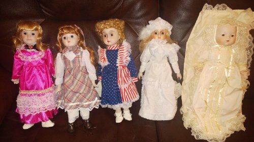 (Heritage Musical Porcelain Dolls Set of)