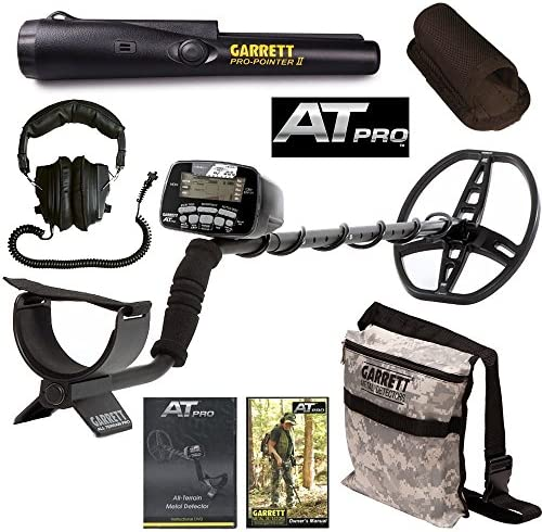Garrett AT Pro Metal Detector with Pro Pointer II Camo Digging Pouch