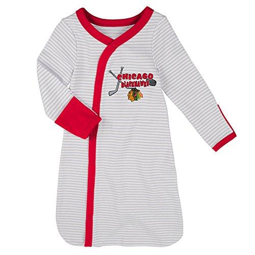 Apparel Layette (Outerstuff NHL Chicago Blackhawks Children Unisex Gown, Hat & Bootie Set, 1 Size, Cool Grey)