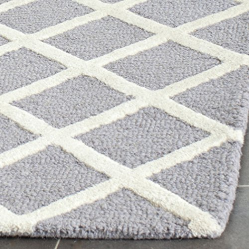 Safavieh Cambridge Collection CAM135D Handmade Moroccan Wool Area Rug, 5' x 8', Silver/Ivory