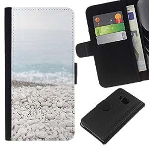 iBinBang / Flip Funda de Cuero Case Cover - Beach Stones Waves Blue Sea Horizonte - HTC ONE M9