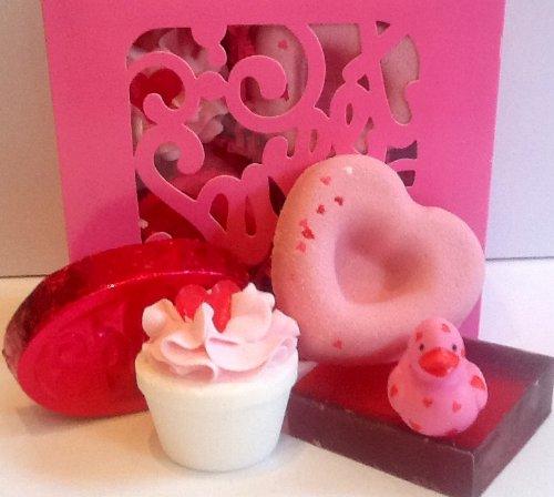 (Cream Heart Shaped Gift Box)