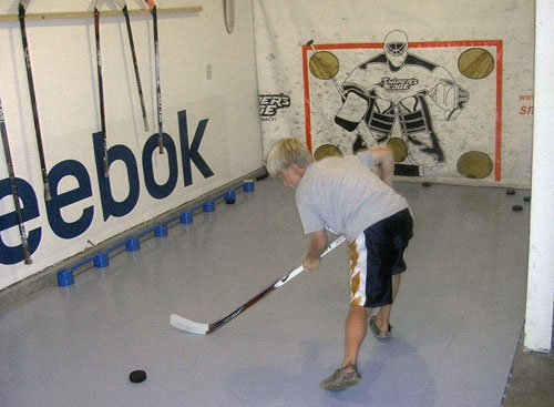 Amazoncom Slick Tiles Dryland Hockey Flooring By Tiles - Slick tile floors