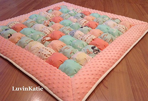 HELLO BEAR! Bubble Quilt Puff Quilt Biscuit Quilt for Baby Floor Time Tummy Time by LuvinKatie