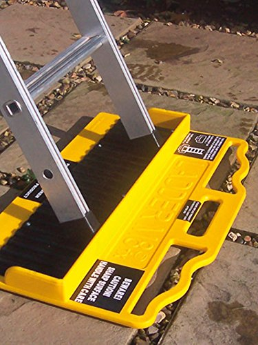 Ladder M8rix Pro Anti-Slip Accessory - 2000 pin board locks ladder in place on a range of slippery surfaces LadderM8 1400-033