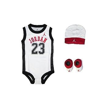 la meilleure attitude 853a3 1bd46 Jordan Nike Trois pièces Infant Body Lot de Chaussons et ...