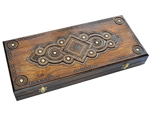 (Handmade Backgammon Inlaid with Copper.)