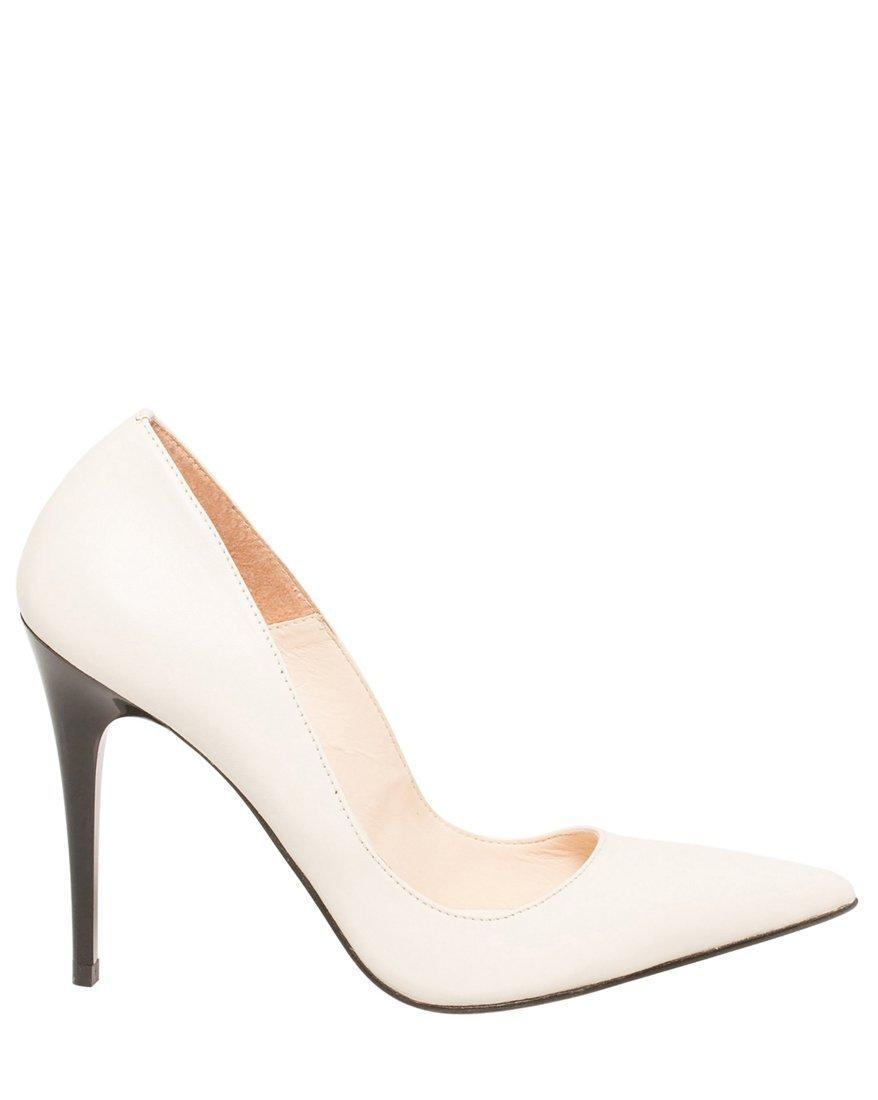 LE CHÂTEAU Women's Leather Pointed Toe Pump,9,White