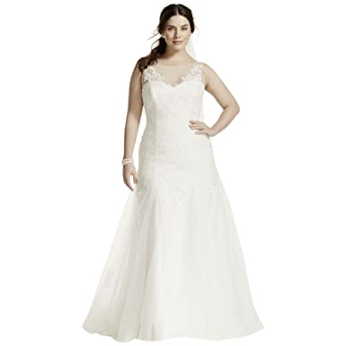 acdde8d0dad Sample  As-is Plus Size Wedding Dress with Deep V Back Style AI13012832 at  Amazon Women s Clothing store