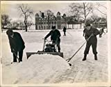 1942 Parks Department Edgewater Division Shovel Snow On Streets Press Photo