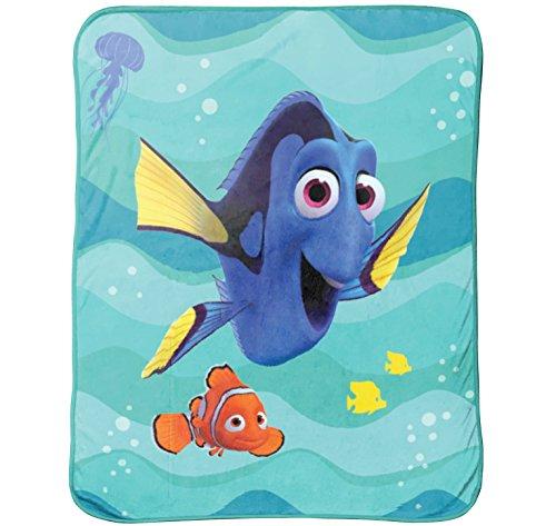 Disney/Pixar Finding Dory Stingray Friends Silk Touch Plush Throw, 46