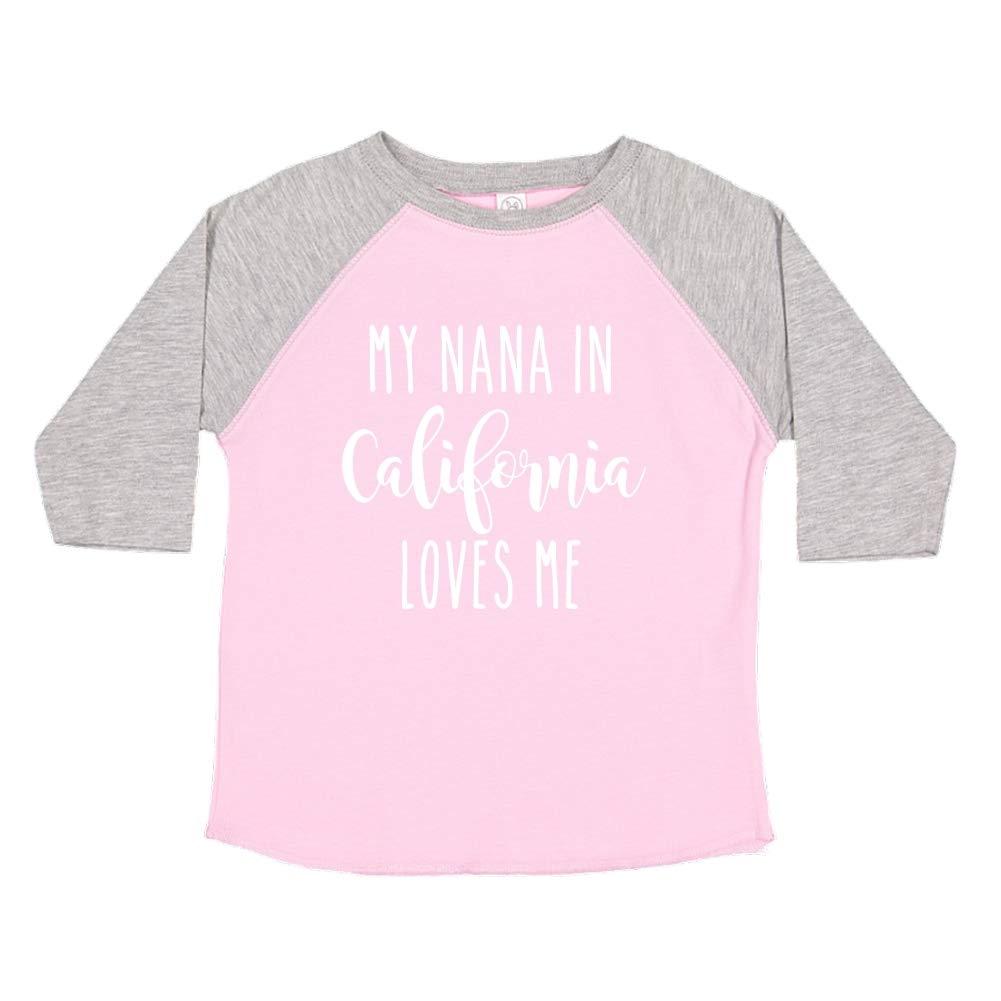 My Nana in California Loves Me Toddler//Kids Raglan T-Shirt