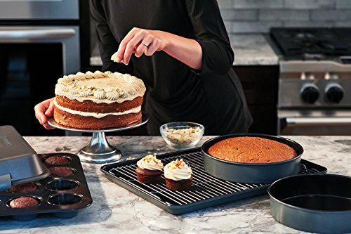 Calphalon Signature Nonstick Bakeware Set, 6-piece, 2000601 by Calphalon (Image #2)