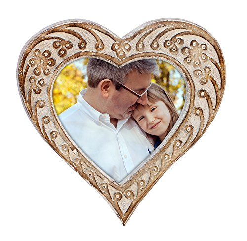 SouvNear Frame Your Love - Photo Frame Shabby Chic Heart Shaped Hand Carved White and Brown Washed Photo / Picture Frame 6x4 Wall Hanging in Solid Mango Wood - Decorative Distressed Finish (Nicole Wall Hangings)