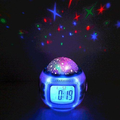 Amazon.de: Musik Wecker LED Digital Wecker Für Kinder Mit Sternenhimmel  Projektion Nachtlicht Und
