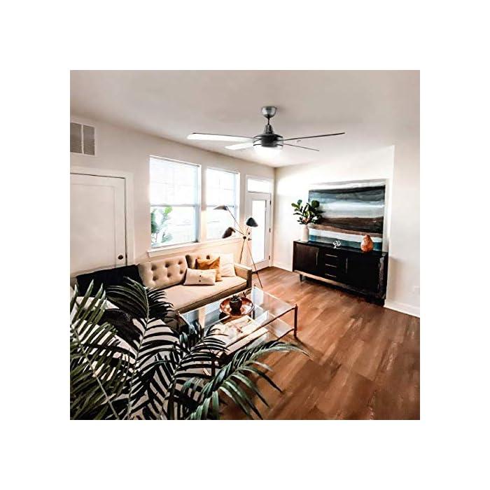 51w61TREKbL Ventilador de techo de color inox, de 70 W de potencia ideal para refrescar cualquier habitación de entre 20m2 y 30m2 de forma eficiente. Mando a distancia, con el que podrás elegir la velocidad, encender o apagar la luz con total comodidad. Tiene 3 velocidades que podrás elegir en función del calor que tengas. Luz. El ventilador incluye luz, que iluminará cualquier habitación con una luz confortable y cálida. También tiene temporizador para que el ventilador deje de funcionar sin que tengas que preocuparte.