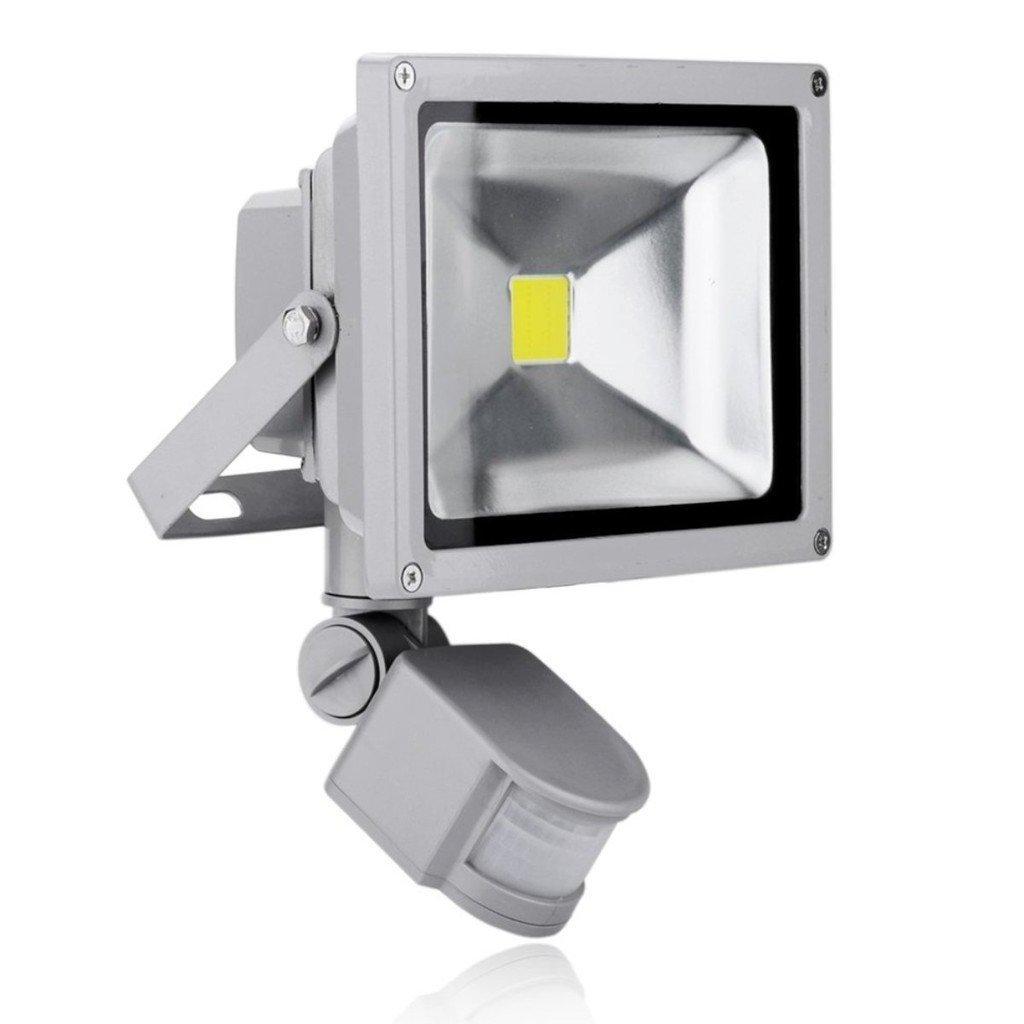 Faro con LED de 10 W, luz blanca fría, con sensor de movimiento crepuscular, IP65: Amazon.es: Iluminación