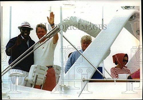 Vintage Photos 1993 Press Photo Vernon Jordan, Bill Clinton, Edward Kennedy And Jackie Onassis