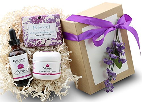 LAVENDER & ROSE ORGANIC BATH & BODY GIFT SET - Pamper Her w/ All Natural Luxury! - Scented w/ Pure Essential Oils -Beautifully Packaged and Ready to Give