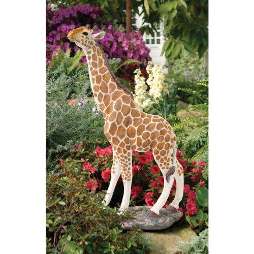 Design Toscano Gerard the Giraffe Sculpture