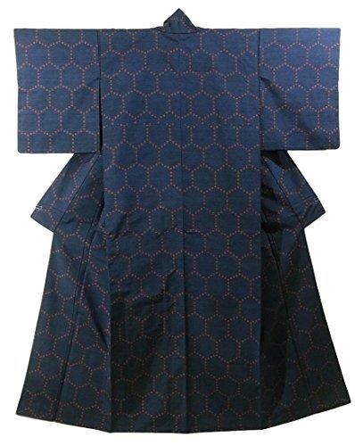 衝突コースバッフル雄大なリサイクル 着物  紬 井桁絣 亀甲模様 正絹 袷 裄63cm 身丈164cm