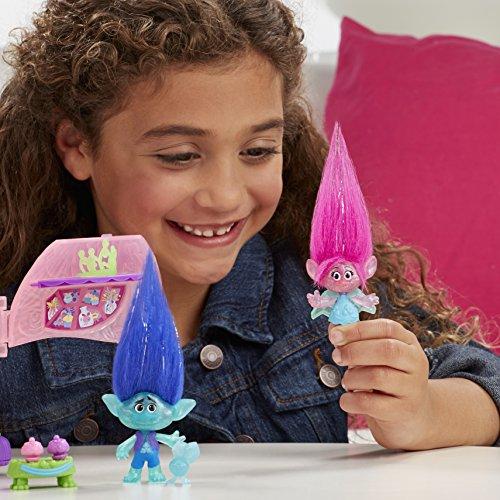 Trolls-Figuras-y-escenario-de-juego-Coronacin-de-la-princesa-Poppy-Hasbro-B6560EU4