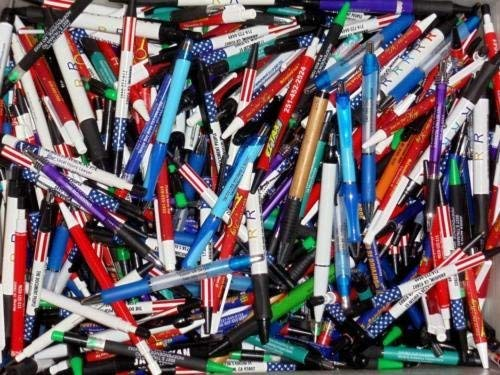 Wholesale Lot of 100 Misprint Ink Pens Ball Point Plastic Retractable Pens Mixed]()