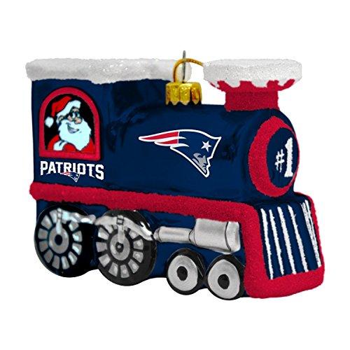 (NFL New England Patriots Blown Glass Train Ornament)
