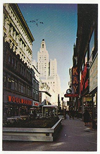Westminster Mall, Massachusetts Vintage Original Postcard #1807 - - Mall Westminster
