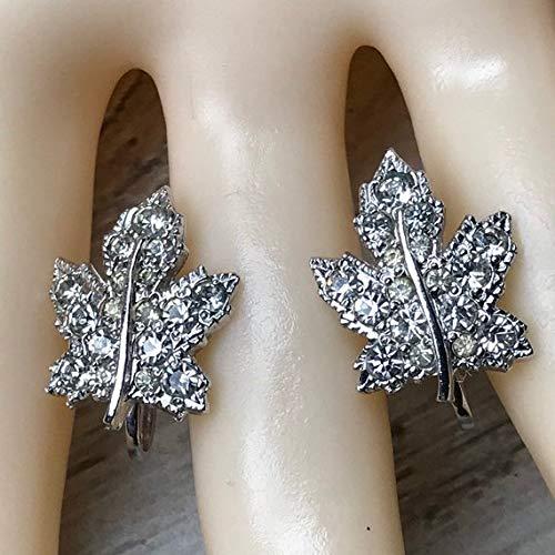 - chaujewl Vintage 1950s Pave Rhinestone Screw Back Earrings Signed Keyes in Silver Tone Metal Maple Leaf Earrings