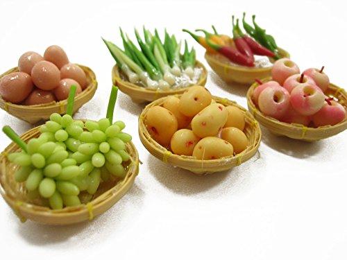Dollhouse Miniature Food Fruit Vegetable 6 Wicker Basket Display Supply 13095