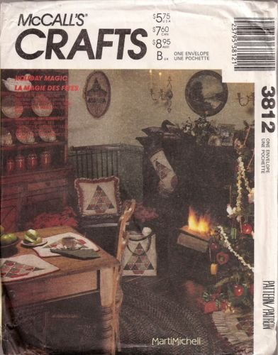 McCall's CRAFTS Pattern #3812 ***HOLIDAY MAGIC - CHRISTMAS PLACEMATS, TREE SKIRTS, ETC*** (Mccalls Placemat)