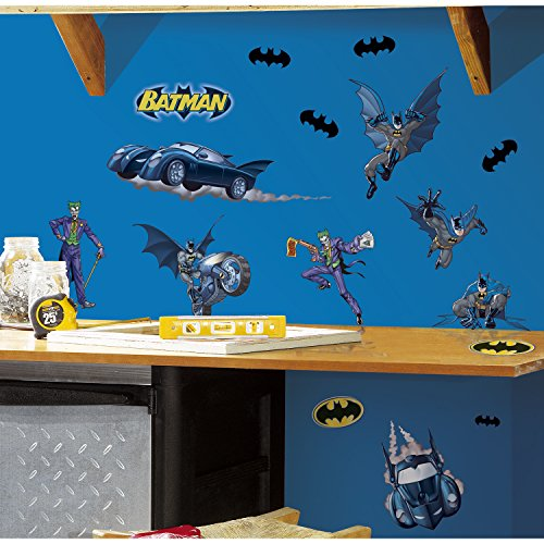 RoomMates RMK1148SCS Batman: Gotham Guardian Peel & Stick Wall (Batman Border)