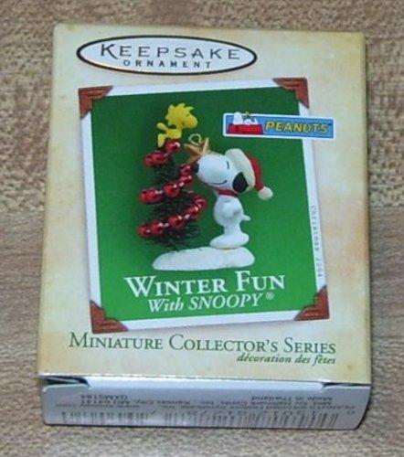 2004 Hallmark Keepsake Ornament Winter Fun With Snoopy Miniature Collector's (Fun Collector)