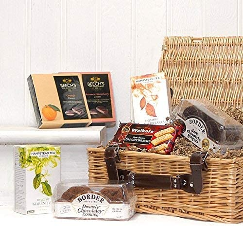 Traditional Tea And Biscuits Gift Food Hamper In A Luxury Wicker Basket Gift Ideas For Mum Mothers Day Birthday Anniversary Dad Fathers Day Corporate Business Gifts Amazon Co Uk Grocery