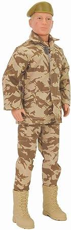 Vestido de uniforme de soldados retro.,Action Man dispone de manos tangibles.,La imagen contiene 8 p
