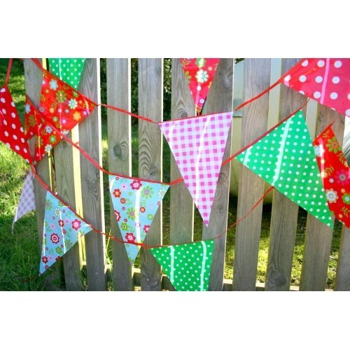 Fun Garden Party Vintage Print Plastic Bunting Banner 33 Feet ~ 20 Pennant Flags - Suitable For Indoor Or Outdoor Use (Banner Outdoor)