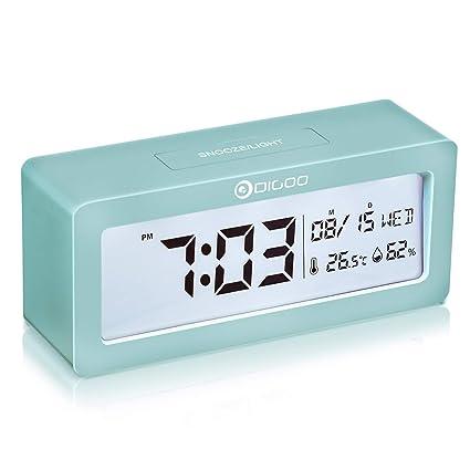 DIGOO Reloj despertador digital, LCD Reloj alarma con pilas con monitor de temperatura y humedad, función de repetición, calendario, reloj de ...