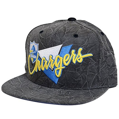 94879e5b9e816e Image Unavailable. Image not available for. Color: San Diego Chargers  Mitchell & Ness Crease Triangle Script Snapback Hat