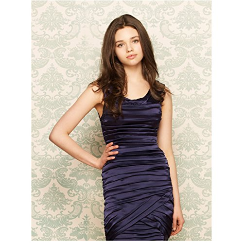 The Secret Life of an American Teenager India Eisley as Ashley with hand on hip 8 x 10 Inch Photo